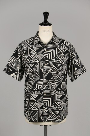 Masses GEOMETRIC SHIRT S / BLACK