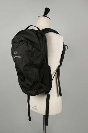 Arc'teryx Mantis 26L Backpack - Black II (L06901500)